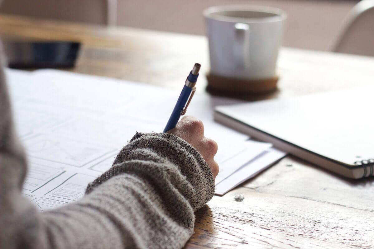Beim Brainstorming alles was einem einfällt aufschreiben
