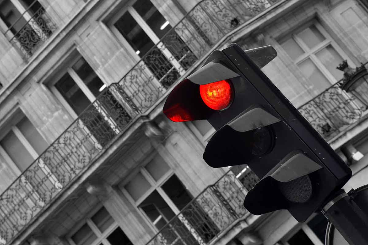 Rote Ampel als Bremse