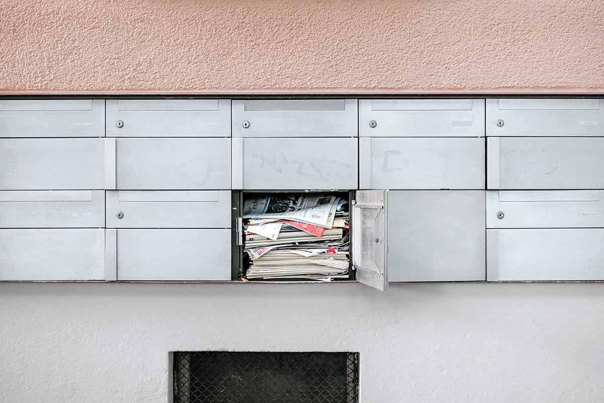Kaufmännisches Bestätigungsschreiben im Briefkasten