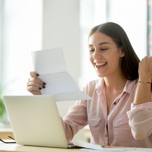 Frau mit Brief thumbnail